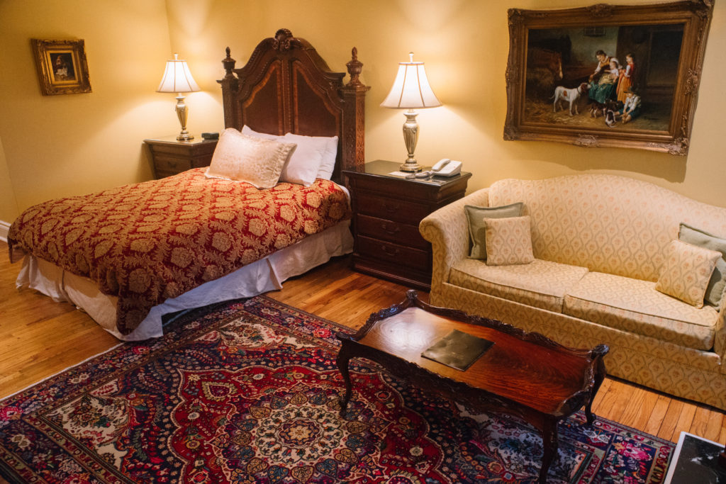 Riverbend Inn and Vineyard guestroom