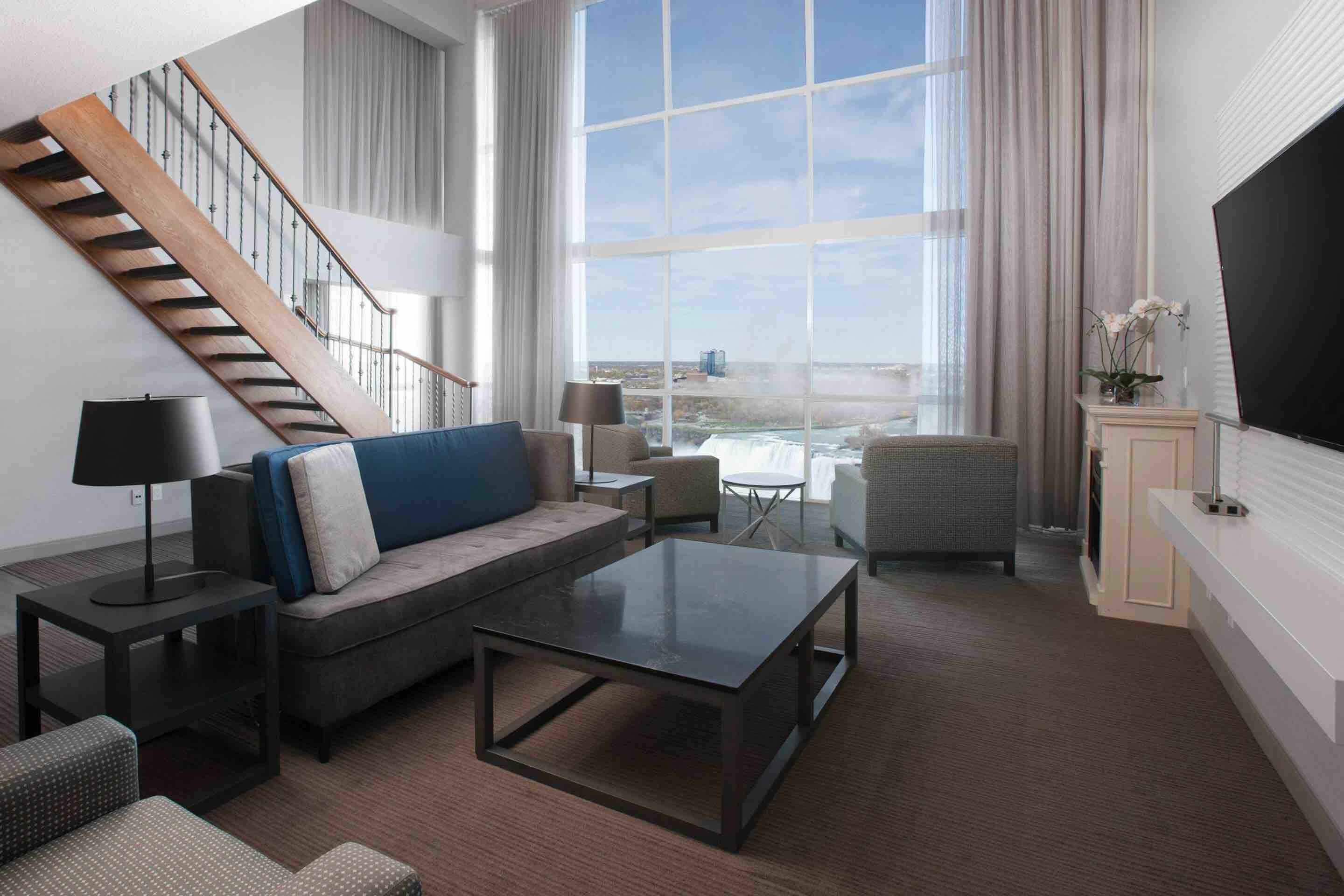 Niagara Falls Marriott on the Falls presidential suite with living room views