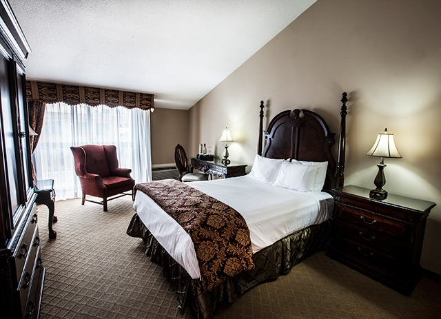 Old Stone Inn Boutique Hotel with room at one of the best luxury hotels in niagara falls
